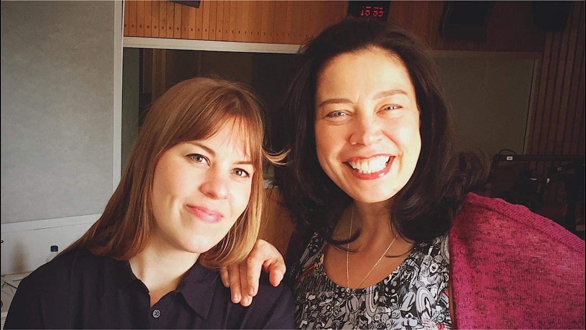 Caroline Hainer, och Marie Lundström i en av Radiohusets studios