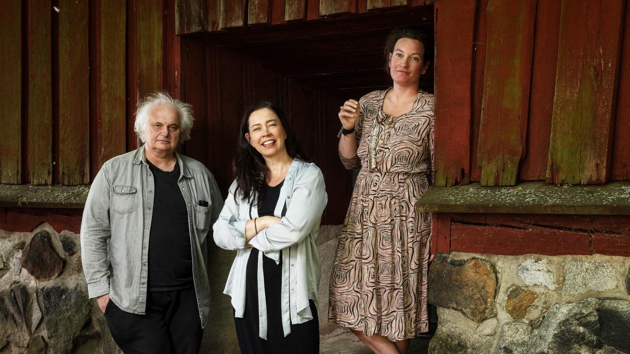 Göran Gredier, Agnes Lidbeck och Marie läser Laterna Magica av Ingmar Bergman.