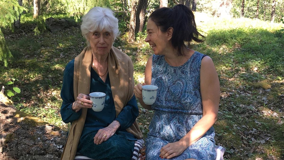 """Kerstin Ekman, här med boken """"Gubbas hage."""""""