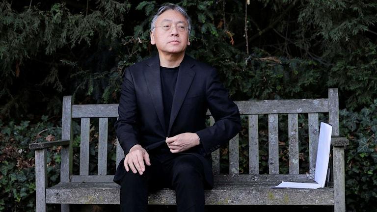 Nobelpristagaren Kazuo Ishiguro under en presskonferens i London på torsdagen.