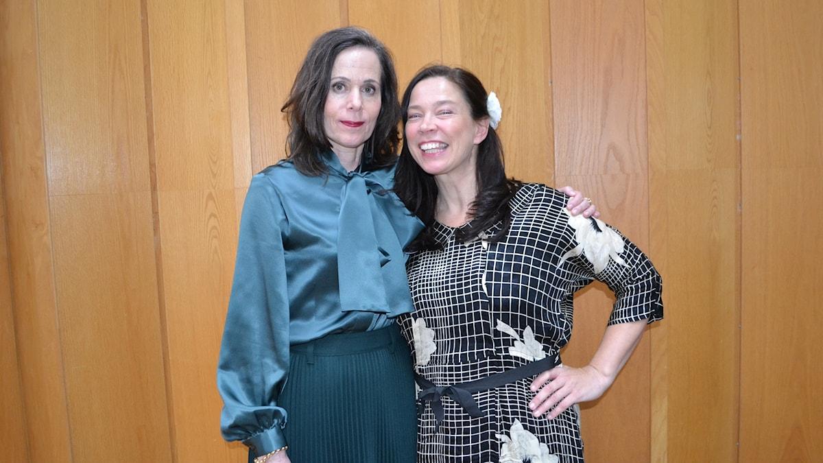 Sara Danius och Marie Lundström inför direktsändningen.
