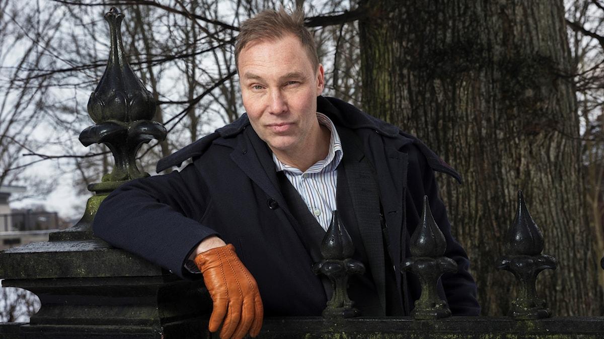 Författaren Ulf Karl Olov Nilsson bokcirklar i vårens första cirkel.