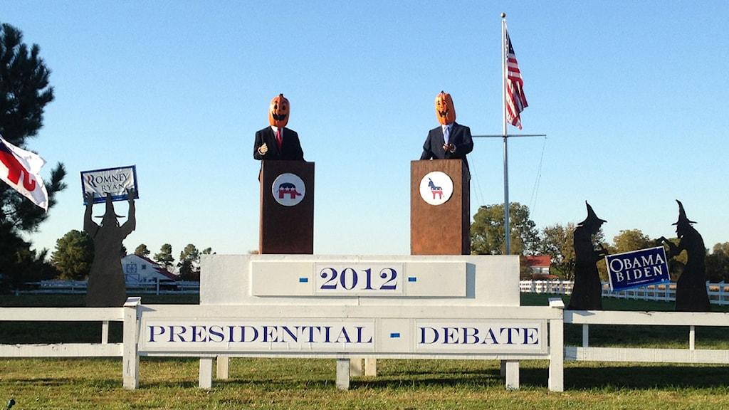 Presidentvalsdebatten i USA iscensatt med pumpor och häxor. Foto: Aseel Berghuthi/Privat.