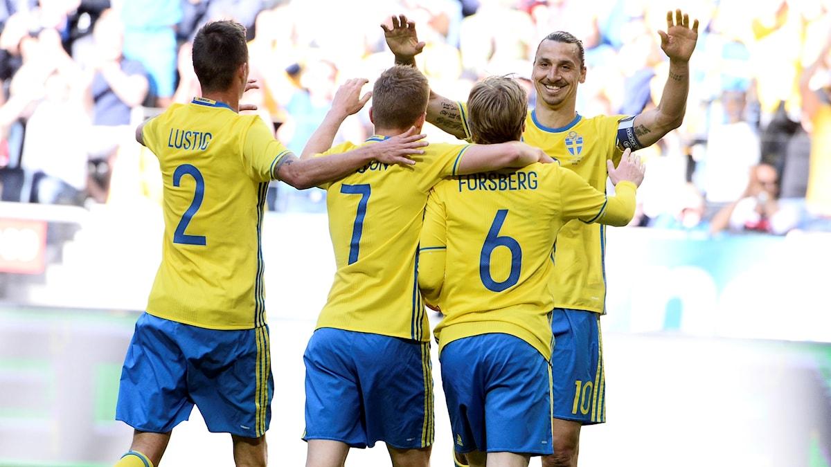 Sverige EM-genrepade mot Wales.