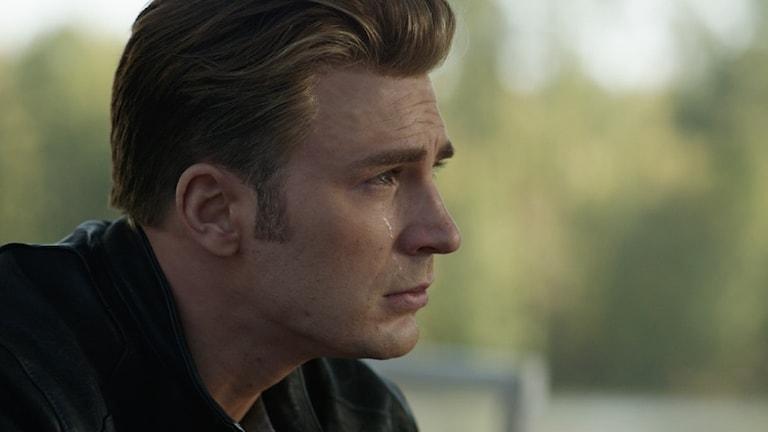 Captain America fäller en tår i Avengers: Endgame.