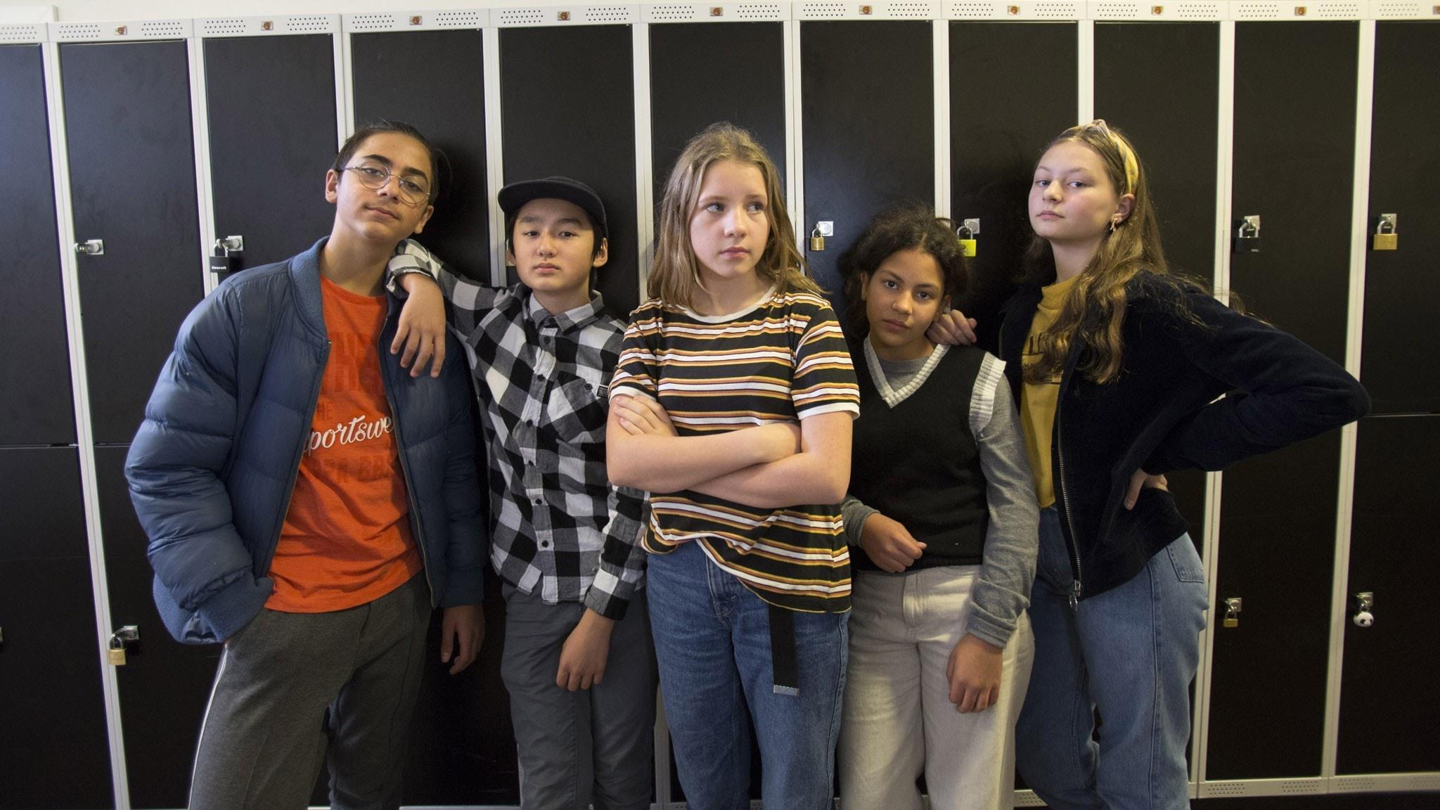 Parsa Jabarzare som Kian, Nathanael Karlsson som Eddie, Siri Södergren som Ziggy, Glenda Wade som Parvin och Kerstin Carlsson som Stella.