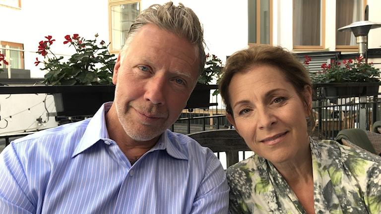 Mikael Persbrandt och Helen Sjöholm spelar äkta par i Peter Dalles nya film.