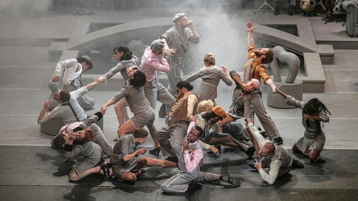 Dansverket Stoic av Sidi Larbi Cherkaoui  på GöteborgsOperan