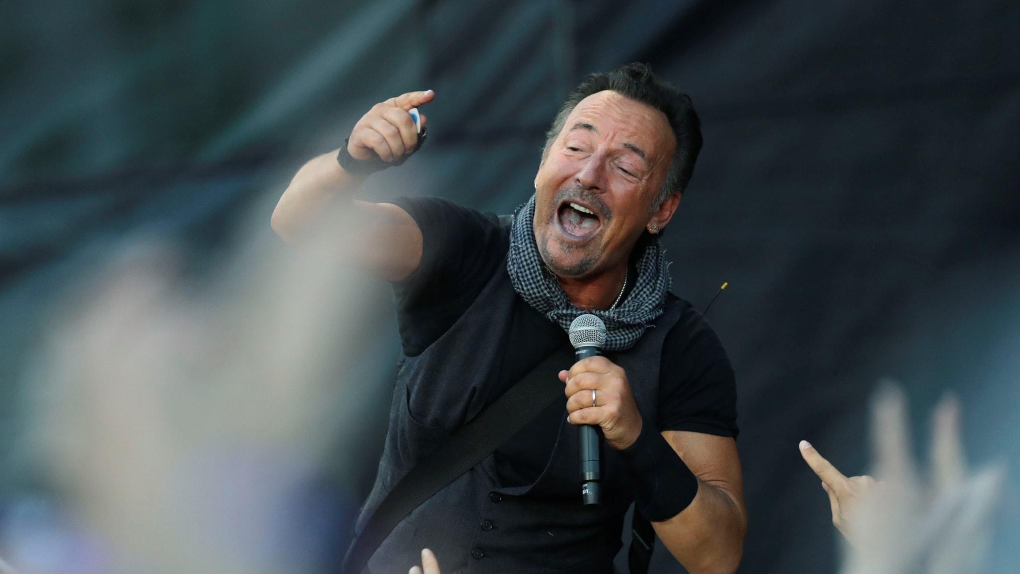Bruce Springsteen vinner prestigefyllt musikalpris i New York och Dawit Isaacs bok