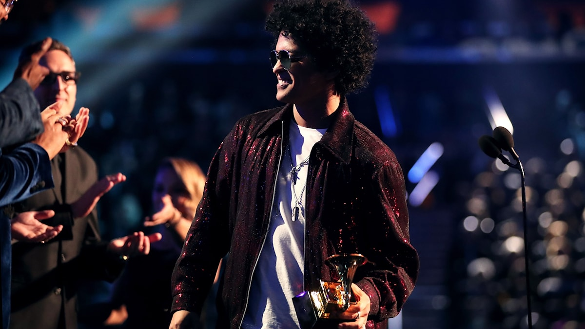Bruno Mars storvinnare på Grammygalan 2018.