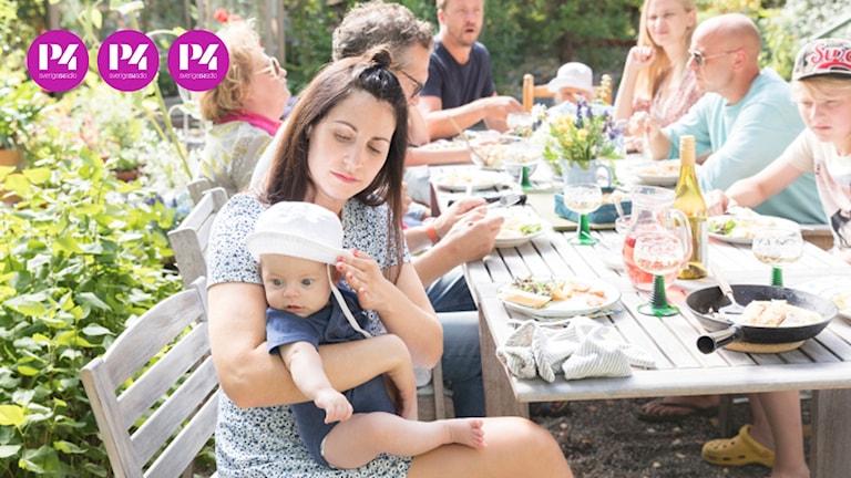 """Nour El-Refai spelar Sima som blir både mamma och bonusmamma i """"Bonusfamiljens"""" tredje säsong."""
