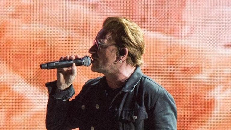 Artisten  Bono.