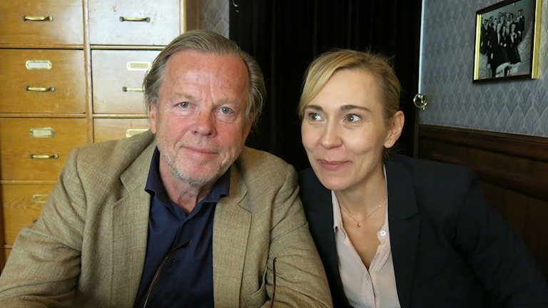 """Krister Henriksson och Jessica Liedberg spelar Hugo och Esther i """"Egenmäktigt förfarande"""" på Scalateatern."""