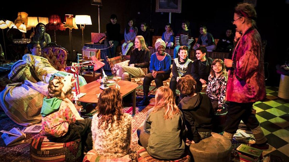 Från Riksteaterns föreställning  Lilla Stora Livet. Foto: Urban Jörén.