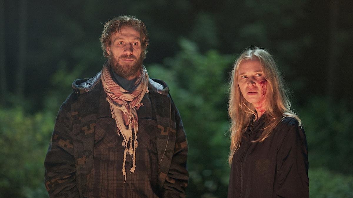 """Jens Hultén och Vera Vitali spelar huvudrollerna i """"Ingen utan skuld"""". Foto: Viaplay"""