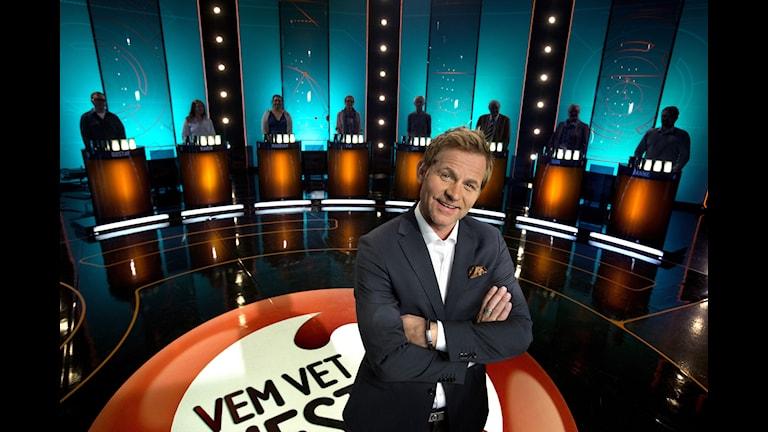"""Rickard  Olsson är programledare för """"Vem vet mest?""""."""