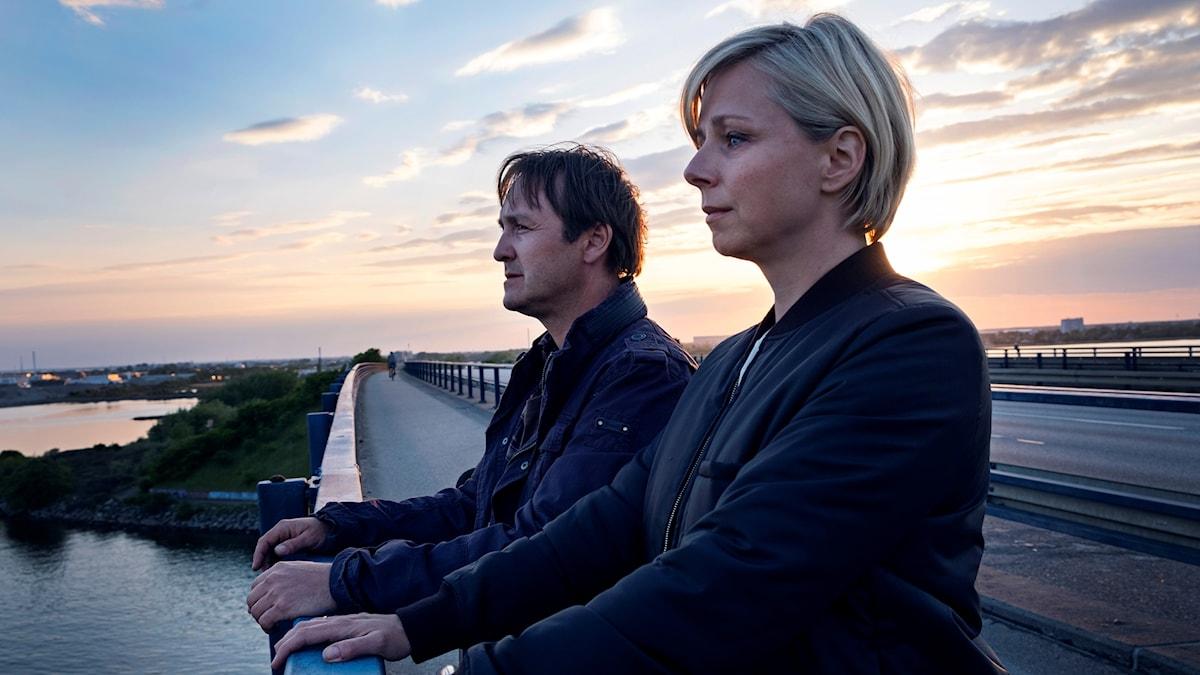 """Lars Ranthe och Lene Maria Christensen i danska serien """"Friheten""""."""