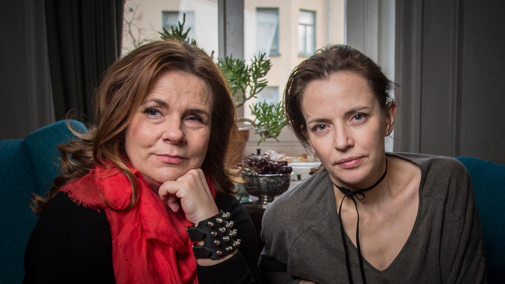 Katarina Hahr möter Amanda Ooms Foto: Micke Grönberg/Sveriges Radio.