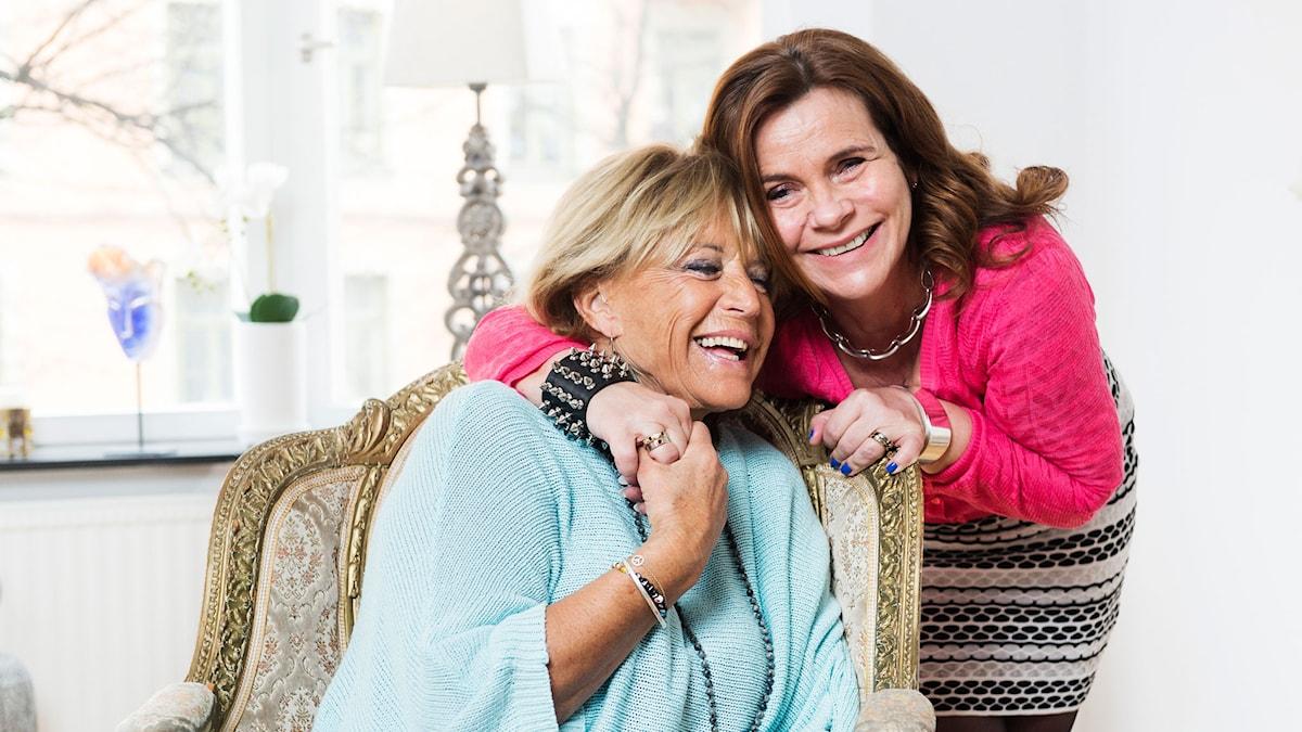 Barbro Lill-Babs Svensson och Katarina Hahr. Foto: Alexander Donka/Sveriges Radio.