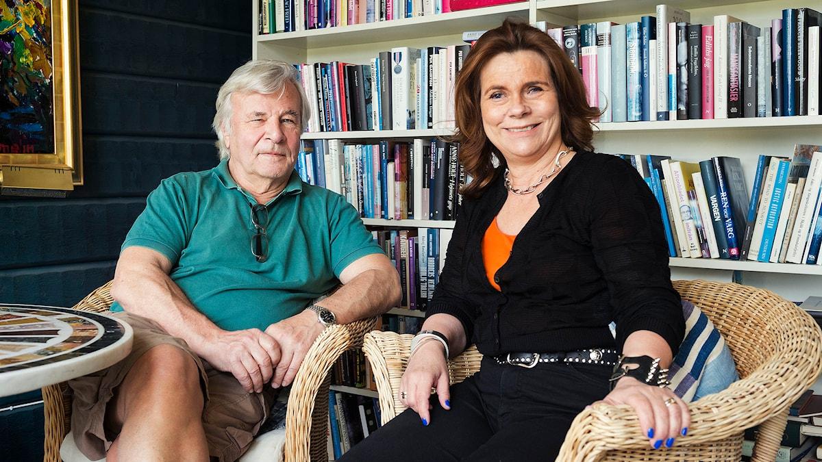 Jan Guillou och Katarina Hahr. Foto: Alexander Donka/Sveriges Radio.
