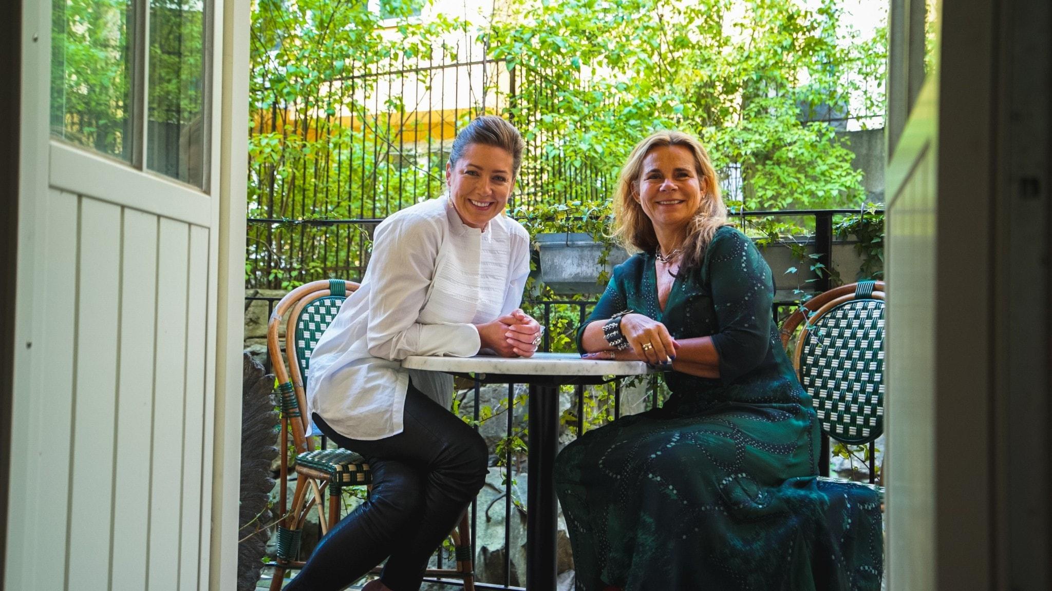 Katarina Hahr möter skådespelaren Jennie Silfverhjelm i ett samtal om bekräftelse
