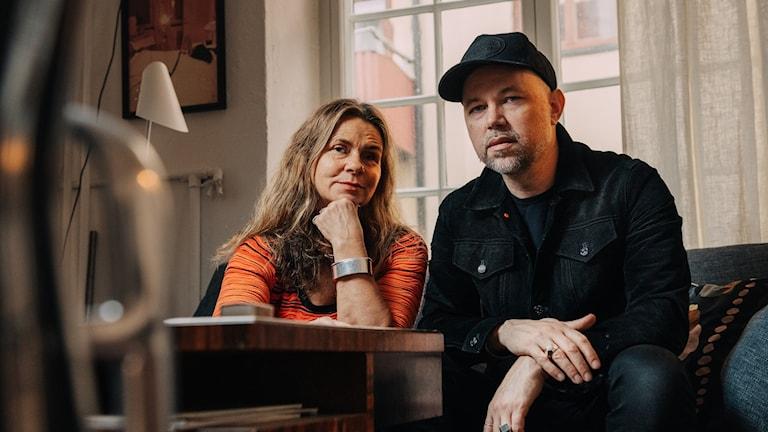 Katarina Hahr möter artisten Tomas Andersson Wij i ett samtal om föräldraskap