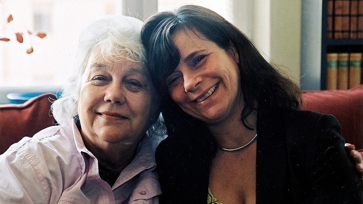 Barbro Karabuda och Katarina Hahr.