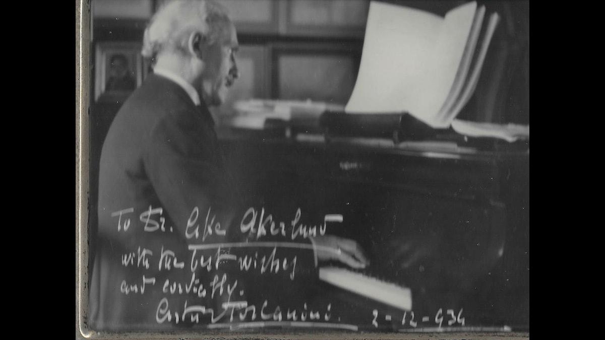 Artur Toscaninis hälsning. Björn Thulins privata lyssnarbild
