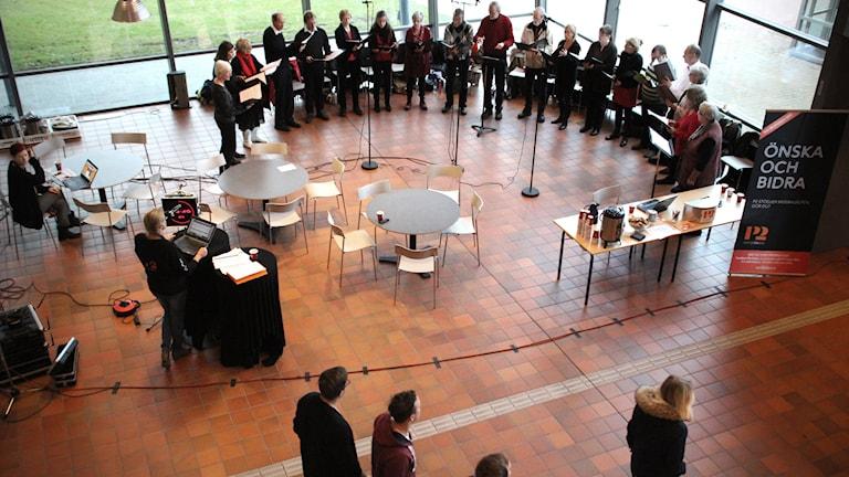 Klassisk morgons kör på Linnéuniversitetet i Växjö till stöd för Musikhjälpen.