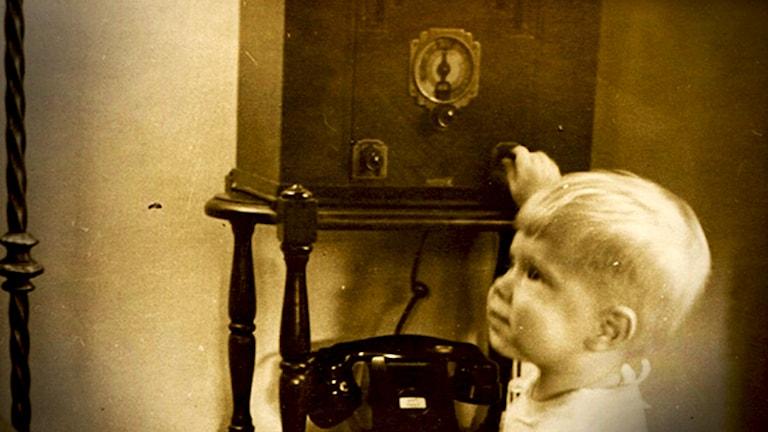 Radio och ett barn.