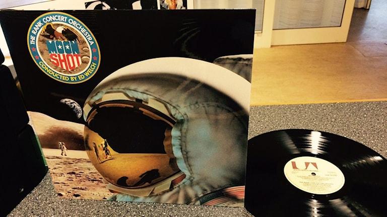 Så här ser LP-omslaget ut till Moonshot av Ed Welch.