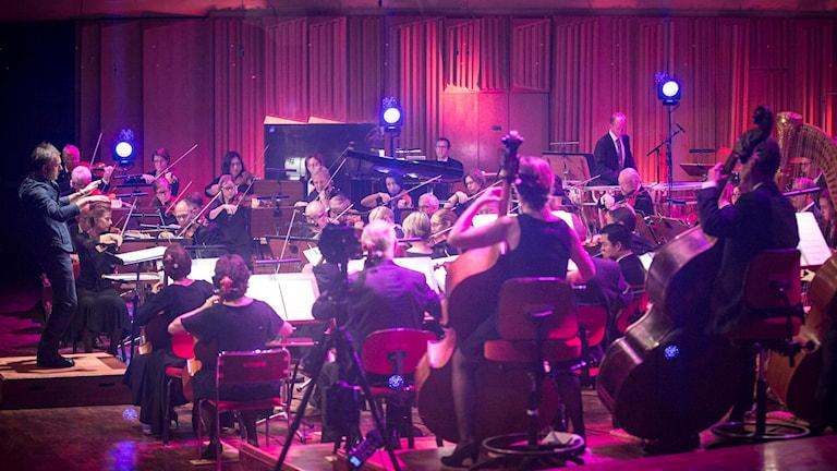 Dataspelsmusikkonserten Score med Sveriges Radios symfoniorkester och dirigent Charles Hazelwood.