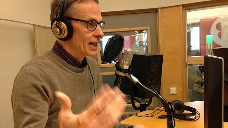 Bertil Blom från svenskspråkiga radio Yle i Finland i Klassisk morgon-studion.