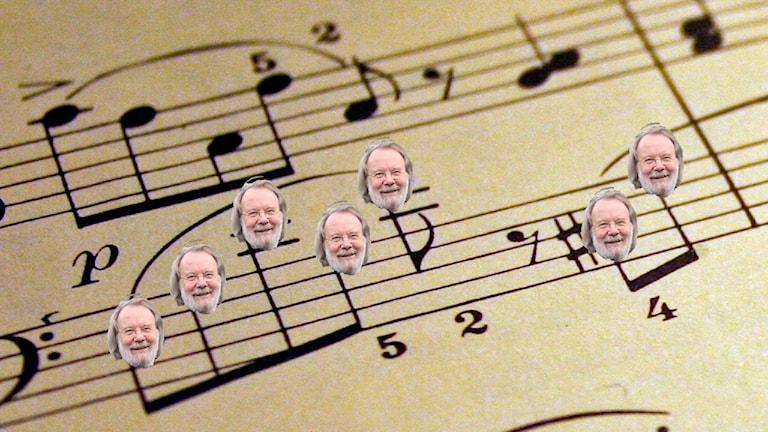 Benny Anderssons huvud ersätter noterna i ett notblad av Franz Schubert.