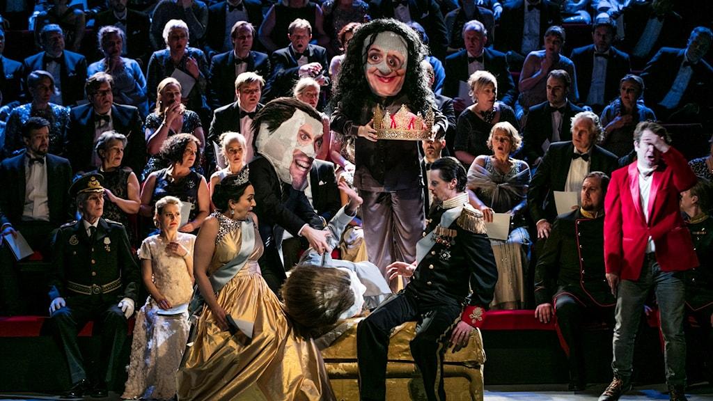 Scen ur Hamlet på Göteborgsoperan.