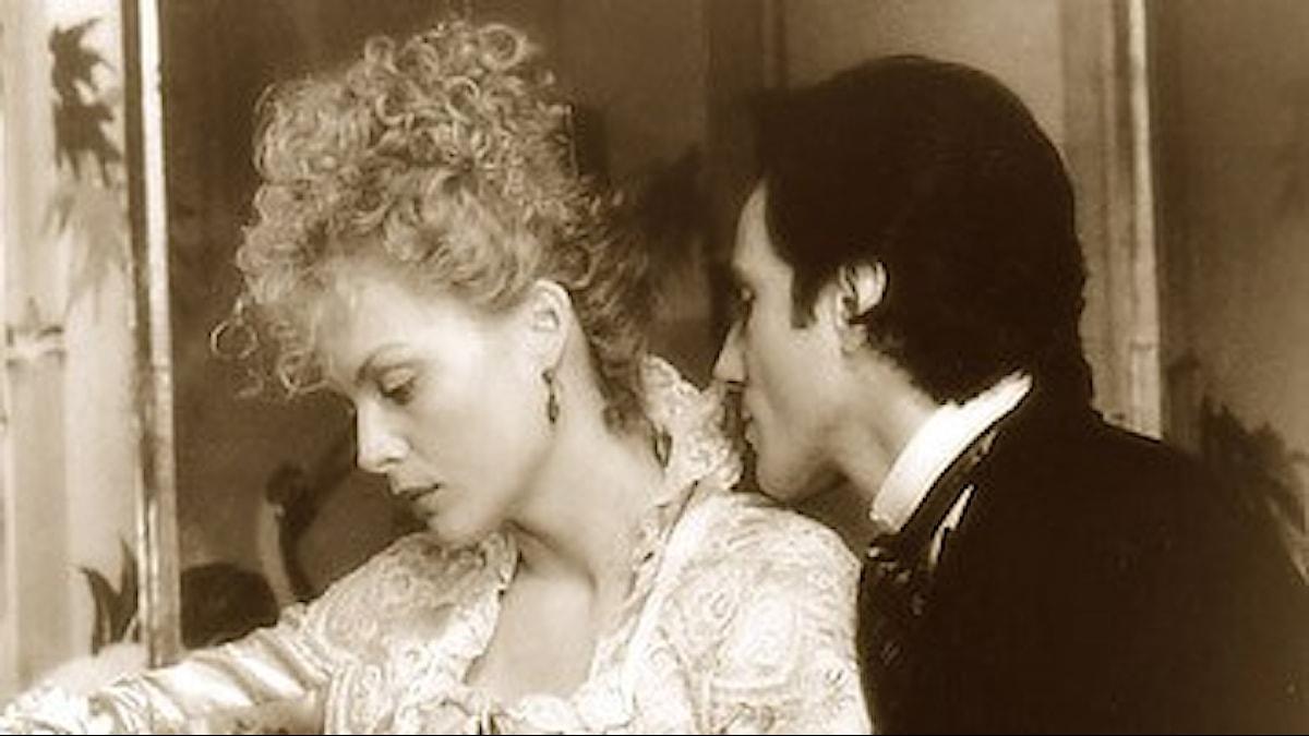 Michelle Pfeiffer och Daniel Day-Lewis i filmen Oskuldens tid.