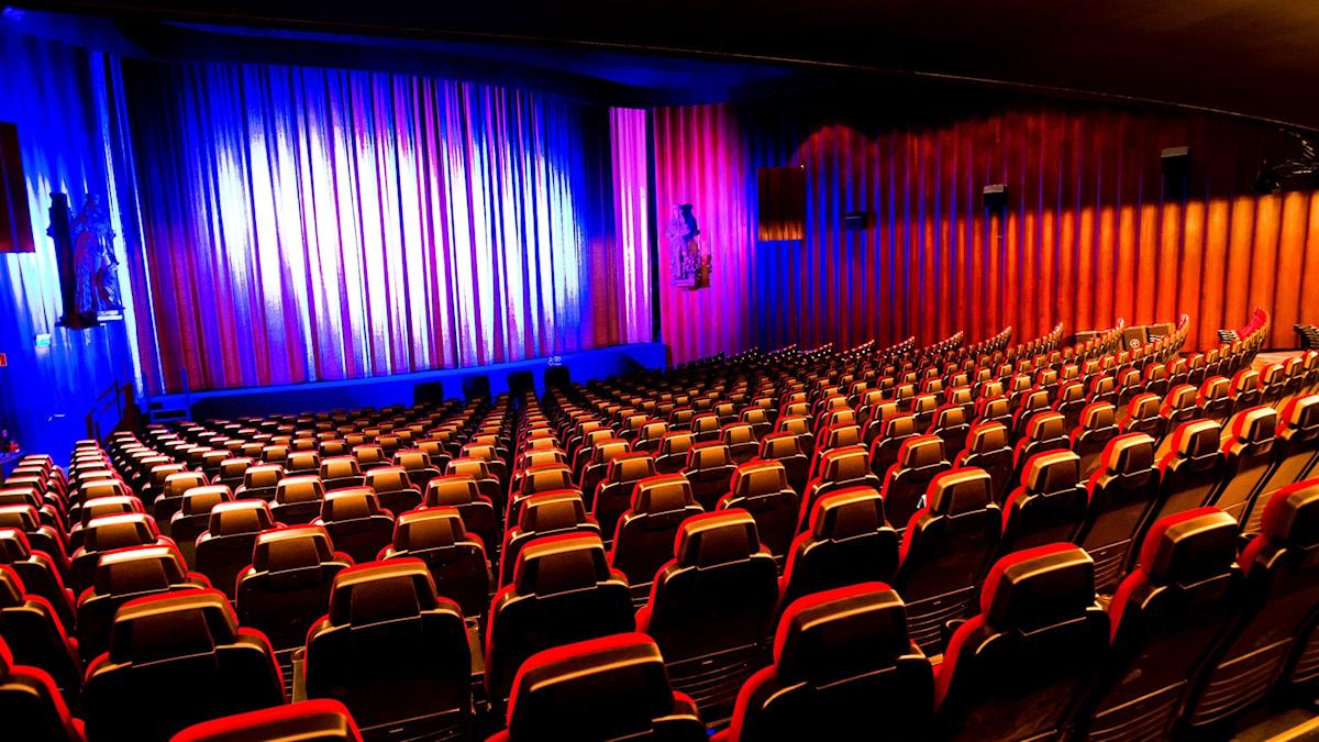 En tom biograf, Rigoletto i Stockholm.
