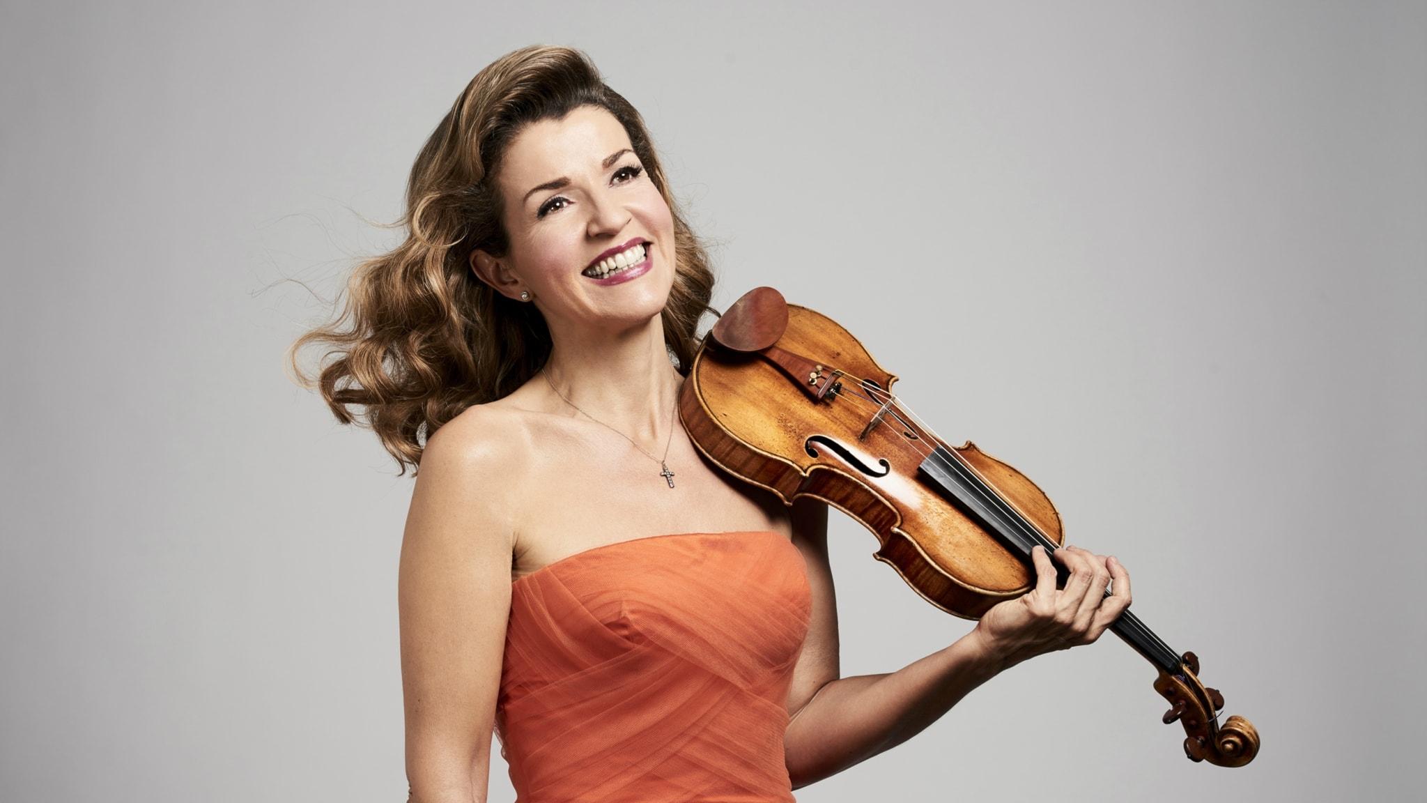 Klassisk morgon - Ungersk dans med Polarpristagaren Ann-Sophie Mutter, Sven-David Sandströms The High Mass och fransk svit av Bach