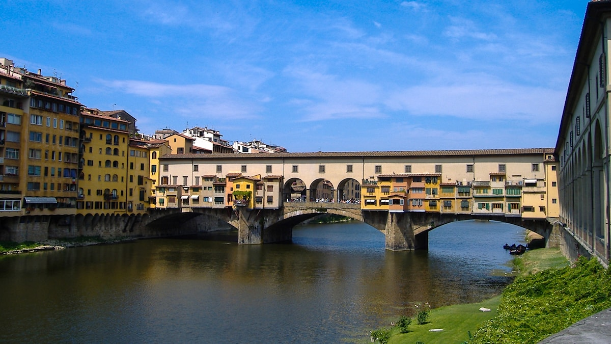 Ponte Vecchio-bron i Florens i Italien.