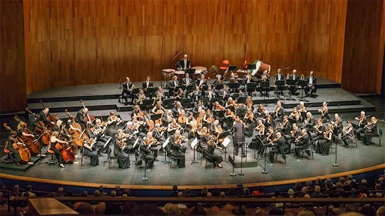 Sveriges Radios Symfoniorkester har konsert i Grosses Festspielhaus i Salzburg.
