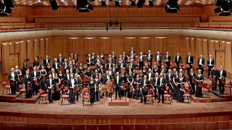 Frans Berwald gav namn år Berwaldhallen, här sitter Sveriges Radios symfoniorkester beredd att spela något av hans verk. Kusin Johan Fredrik spelas inte ofta.