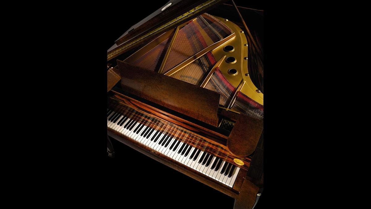 Henning Mankells farfar trivdes bäst vid pianot