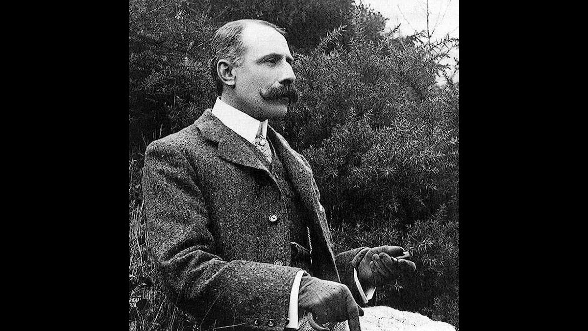 Edward Elgar skrev inte mycket efter hustruns död 1920, men så fick han ett litet ryck runt femton år senare. Fast ett för kort ryck!