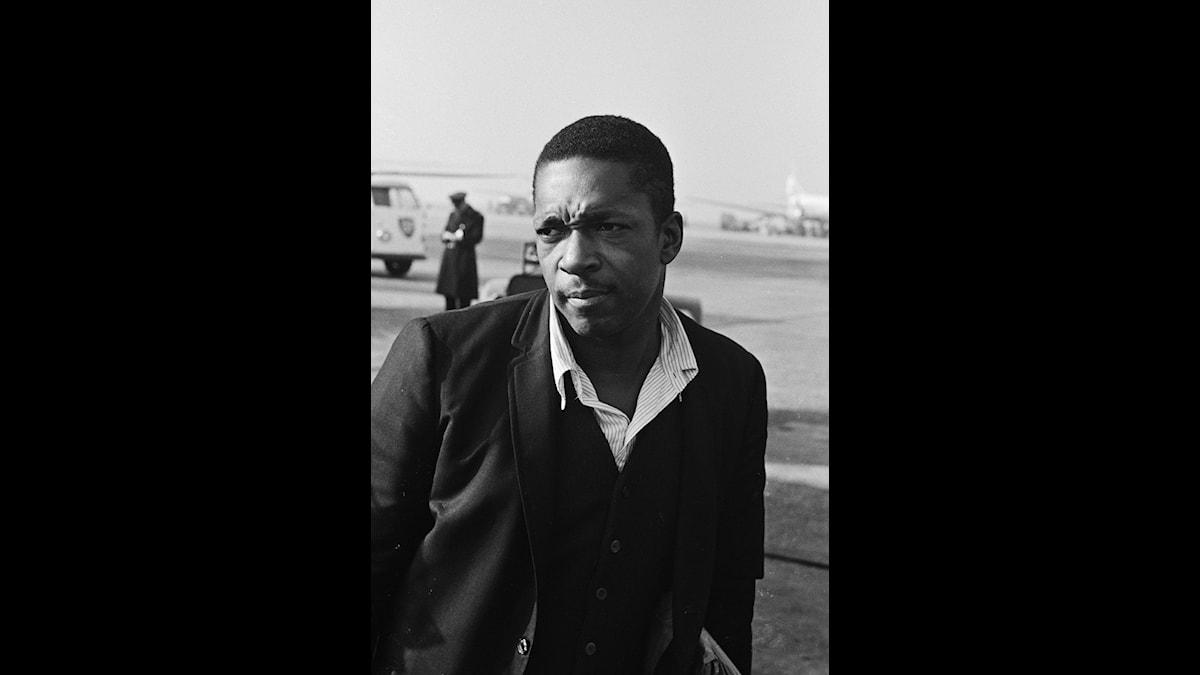John Coltrane tänker ut vilda, musikaliska idéer.