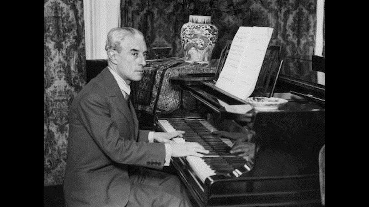 Maurice Ravel småspelar lite lätt...