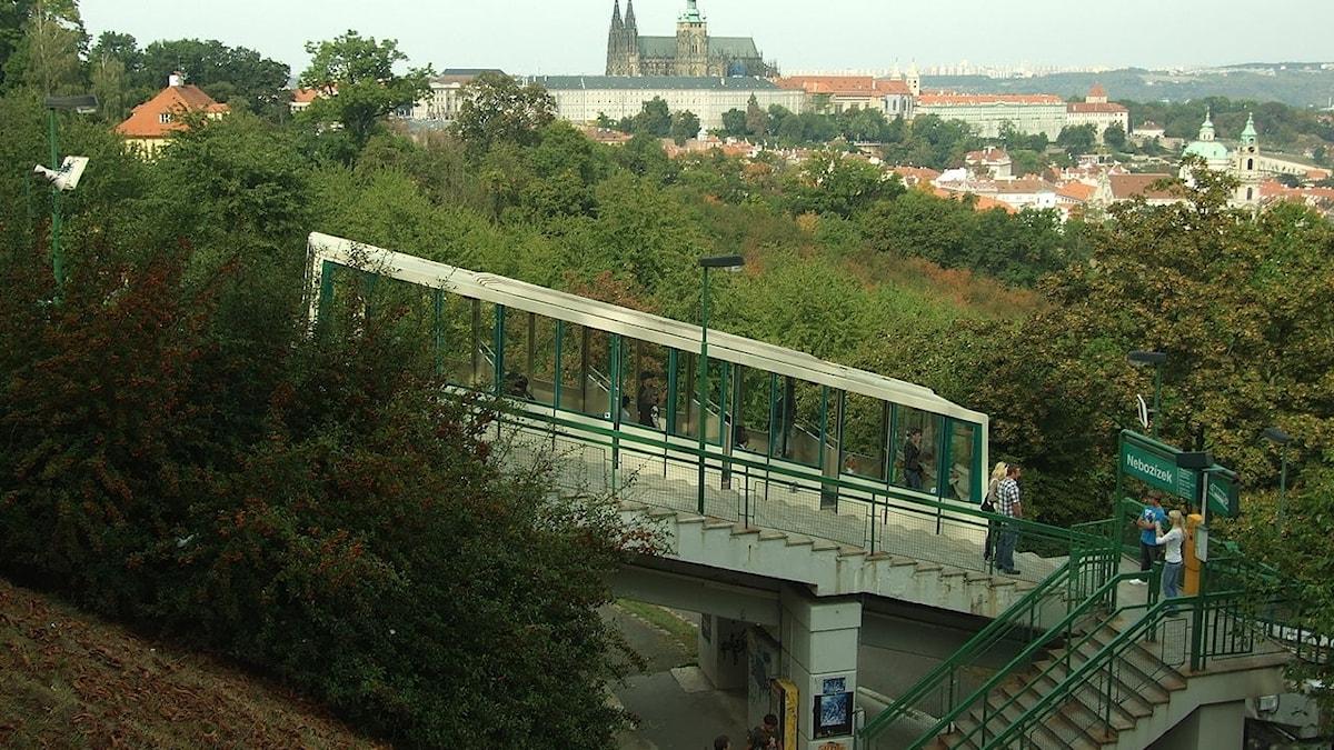 Vesuviusbanan är nedlagd, här en bergbana i Prag istället