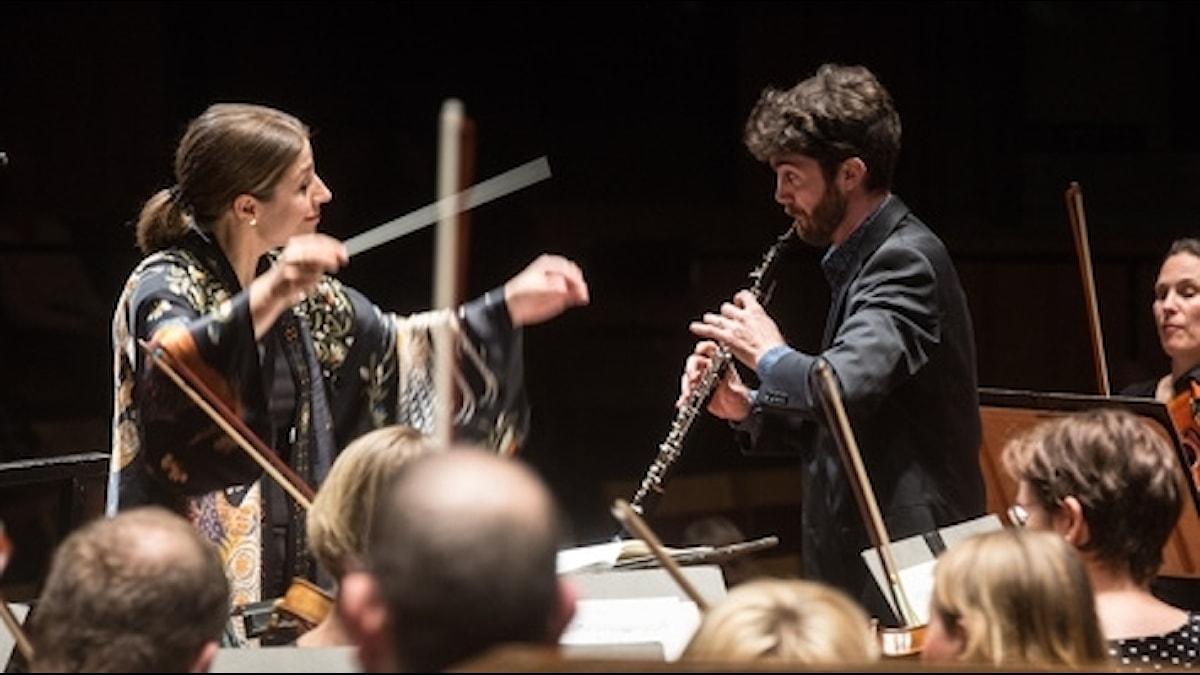 Emmanuel Laville är solist i Vaughan Williams oboekonsert.