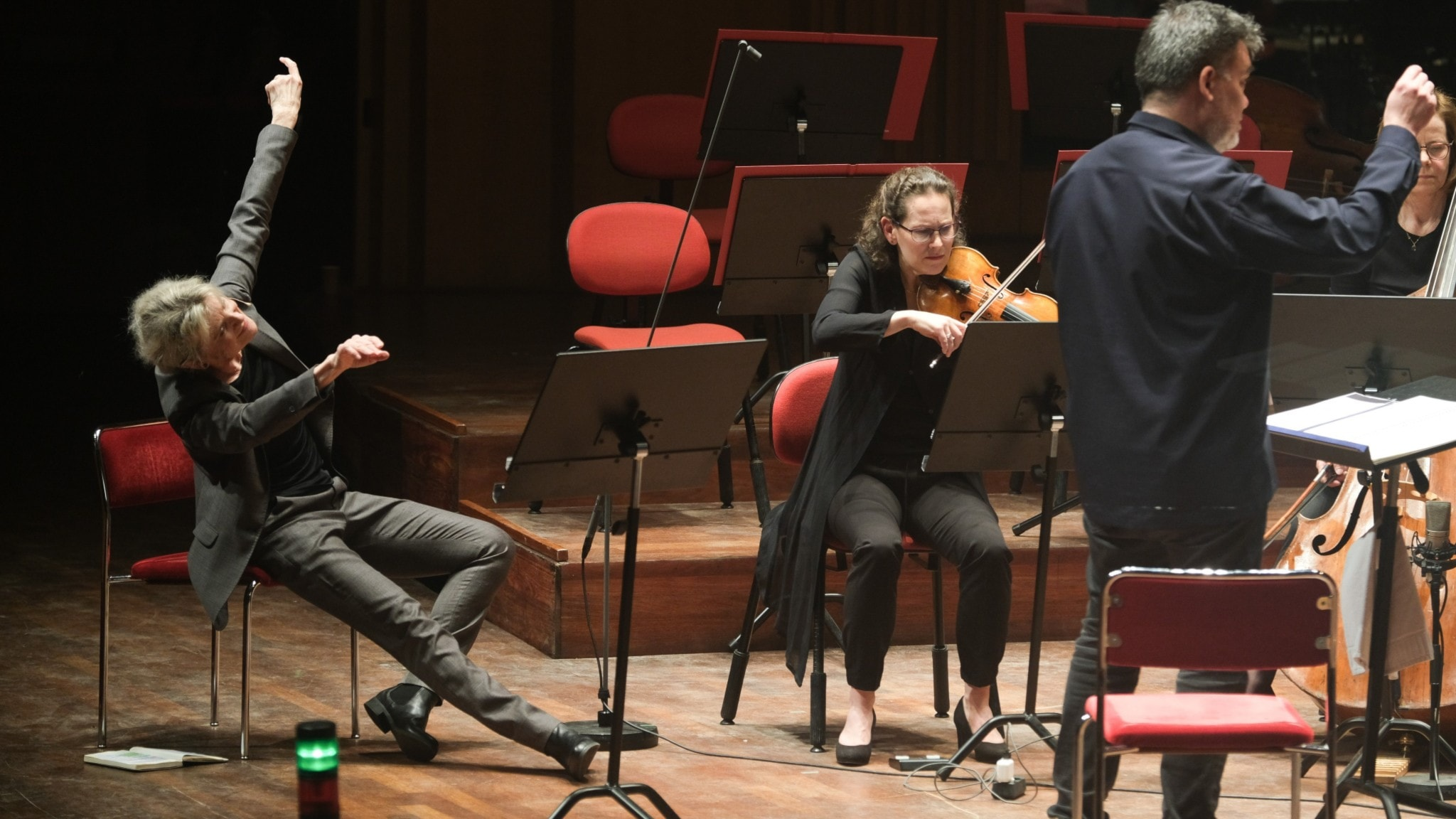 Bild: Stina Ekblad, Malin Broman och Alan Gilbert.