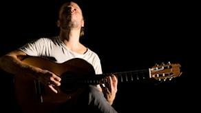 Flamecogitarristen Robi Svärd.