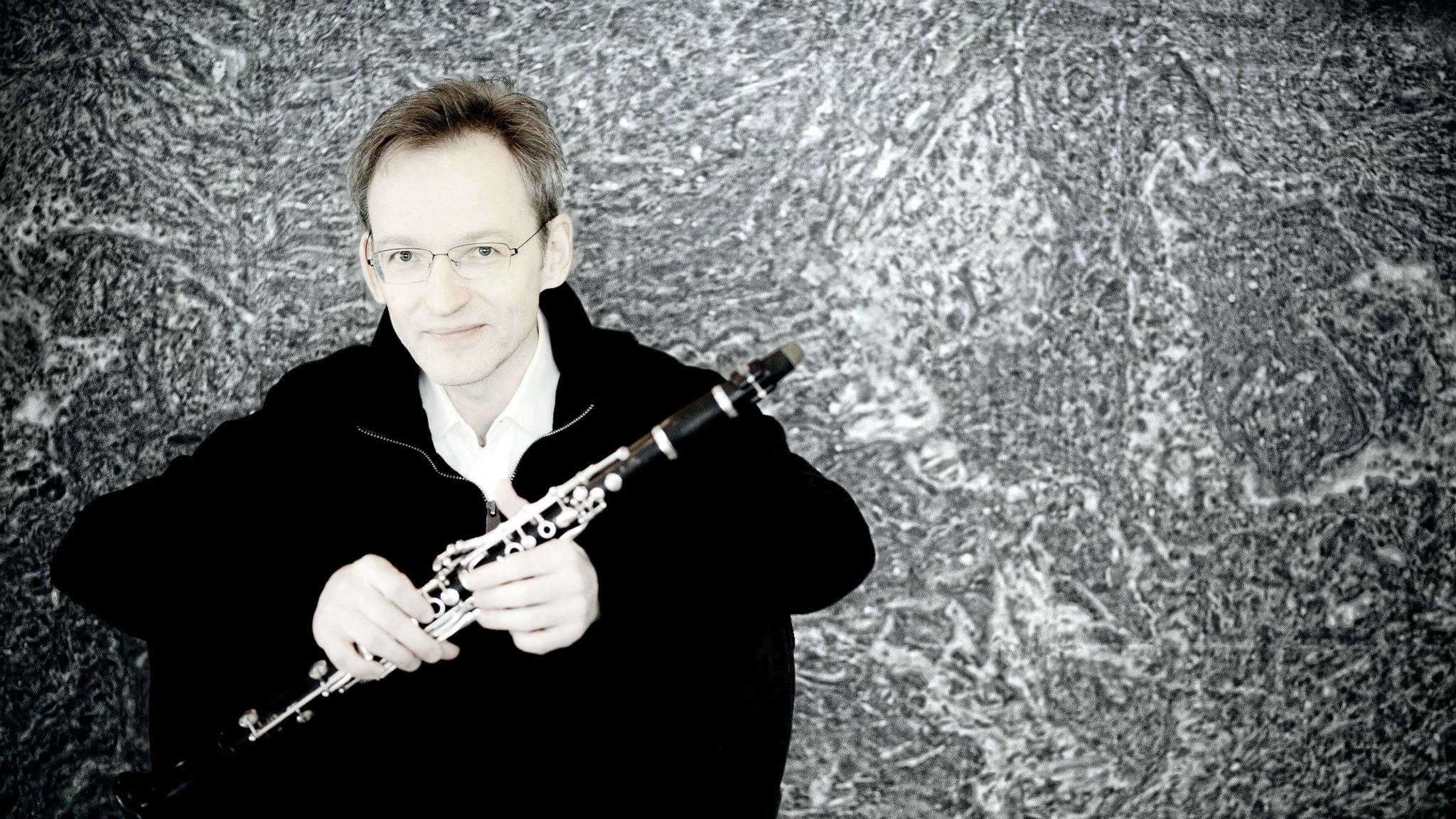 Den finländske klarinettisten Kari Kriikku. Pressbild/Marco Borggreve